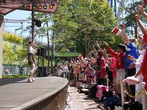 中川翔子、想い出の後楽園で灼熱ライブ&握手会を決行!!_e0025035_132029.jpg