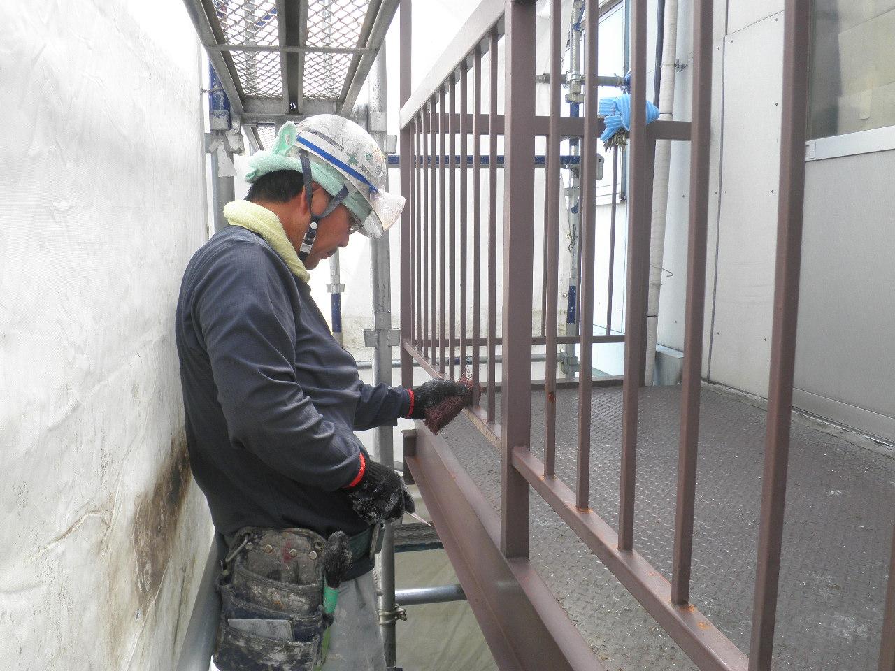 外部階段塗装②-4_e0164638_10542631.jpg