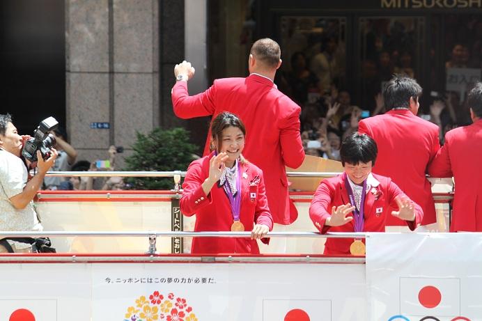 オリンピック祝賀パレード_b0189489_21132877.jpg