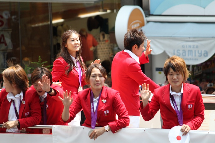 オリンピック祝賀パレード_b0189489_2133685.jpg