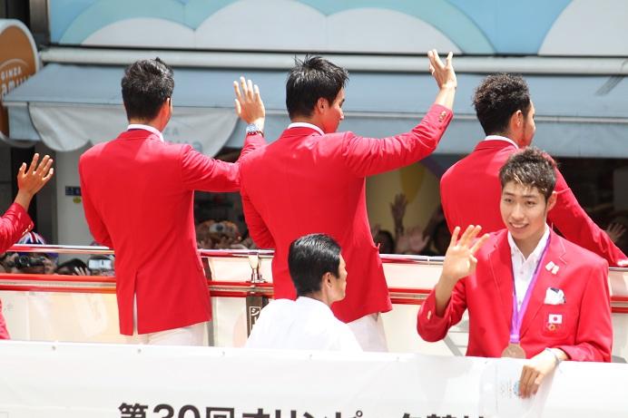 オリンピック祝賀パレード_b0189489_21374250.jpg