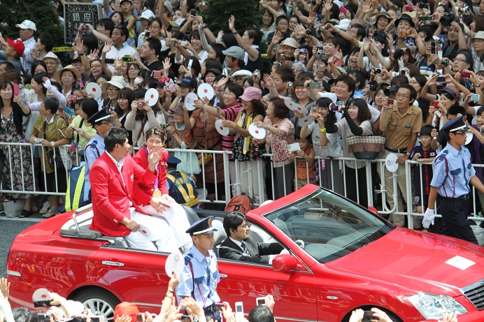 オリンピック祝賀パレード_b0189489_21462075.jpg