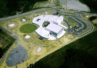 音楽ホール探訪6 石巻市 こもれびの降る丘 「遊楽館」_d0027290_6222581.jpg