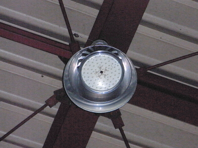 水銀灯からLED灯へ_c0193896_1721065.jpg