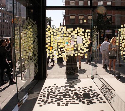 スティーブ・ジョブズさん追悼特集 ニューヨークWest14丁目店前_b0007805_7445932.jpg