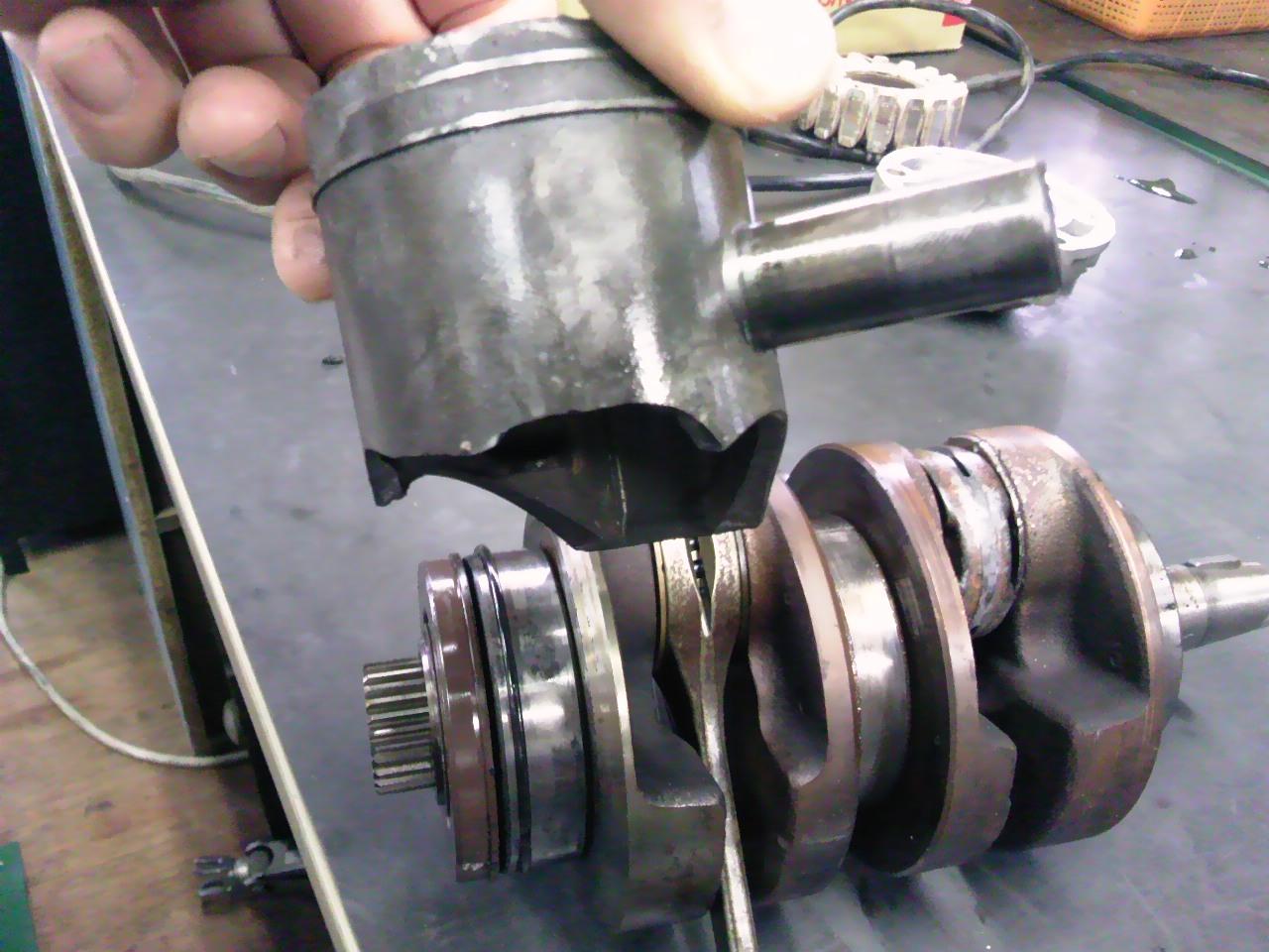 NSR250エンジン分解!_e0114857_11172739.jpg