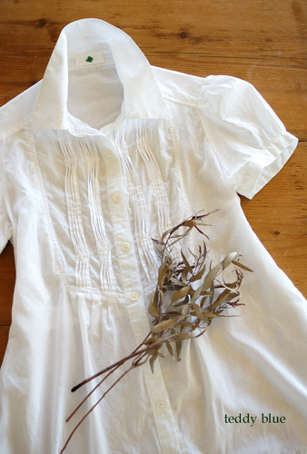 white cotton blouse  夏の白いブラウス_e0253364_9101850.jpg