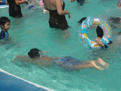 息継ぎが出来れば、だいぶ泳げるようになりそう。でも、それが難しいっ!んで... ゆうゆう日記