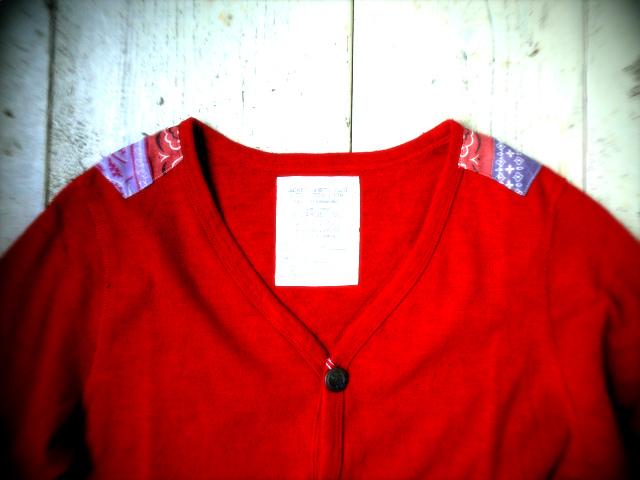 『赤を羽織る』_a0117545_1575861.jpg