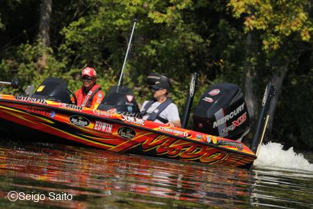 Bassmaster Elite Series #8 Oneida Lake, NY 初日_a0097491_8111583.jpg
