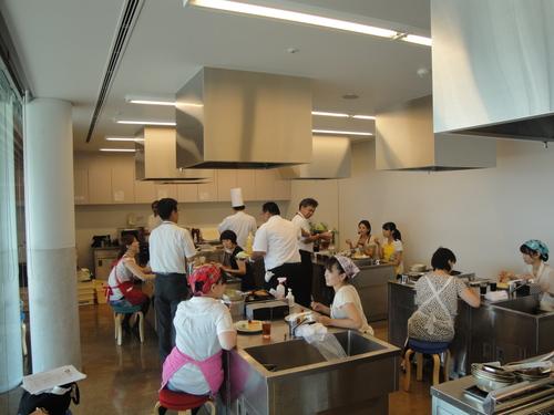 本日、T.YOKOGAWA 横川パティシエによるケーキ教室開催!_a0242500_1762018.jpg