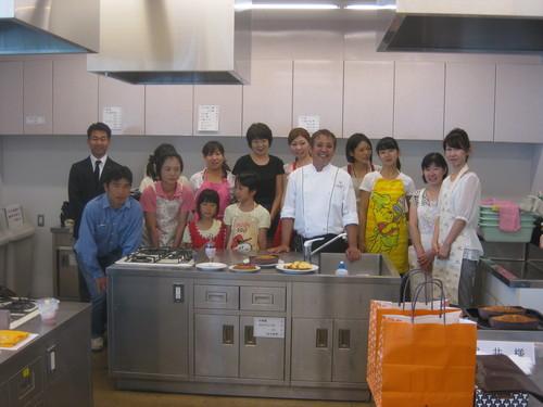本日、T.YOKOGAWA 横川パティシエによるケーキ教室開催!_a0242500_1785081.jpg