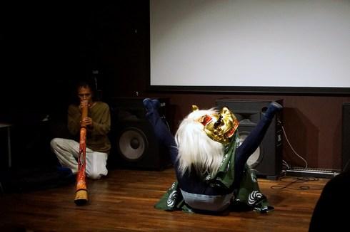 新作映画『水の馬、火の兎、風の獅子』初上映+ディジュリドゥ&ライアー演奏+獅子舞ご来場御礼@UPLINK_f0006713_845866.jpg