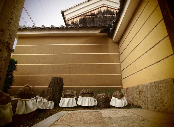 壬生寺の石仏-Ⅱ                   京都市・中京区_d0149245_23198.jpg