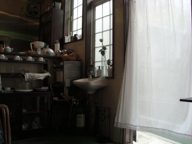 吉祥寺「カフェ Room-1022」へ行く。_f0232060_12374927.jpg
