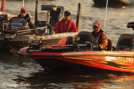 Bassmaster Elite Series #8 Oneida Lake, NY 2日目_a0097491_984876.jpg