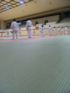 練習は福岡武道館(☆_☆)_b0172494_19455862.jpg