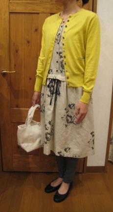 キャベジズ&ローゼスから定番のワンピースとスカートです。_c0227633_1354519.jpg