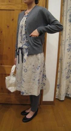 キャベジズ&ローゼスから定番のワンピースとスカートです。_c0227633_13564052.jpg