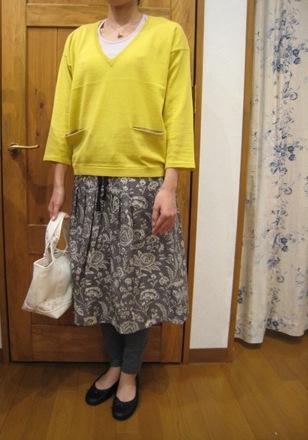 キャベジズ&ローゼスから定番のワンピースとスカートです。_c0227633_13584129.jpg