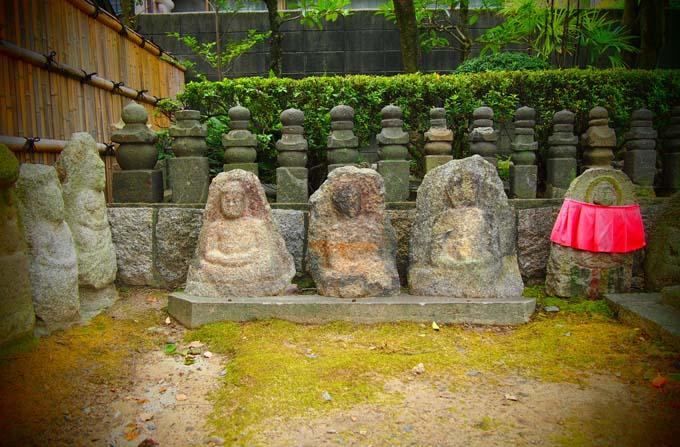 壬生寺の石仏-Ⅲ                   京都市・中京区_d0149245_1063470.jpg