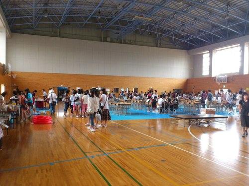 大川中学校バザーの一コマ_b0106766_19354021.jpg
