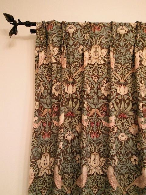 モリスのカーテン、『いちご泥棒』_c0157866_13324766.jpg