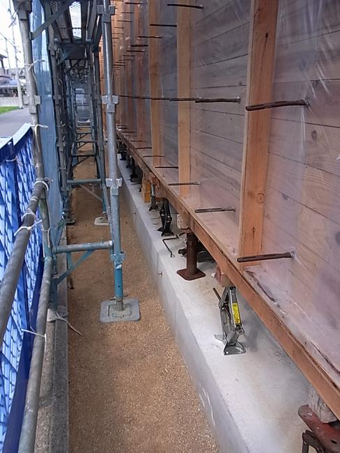 今日は木製建具の施工図打ち合わせ_b0186200_0284060.jpg