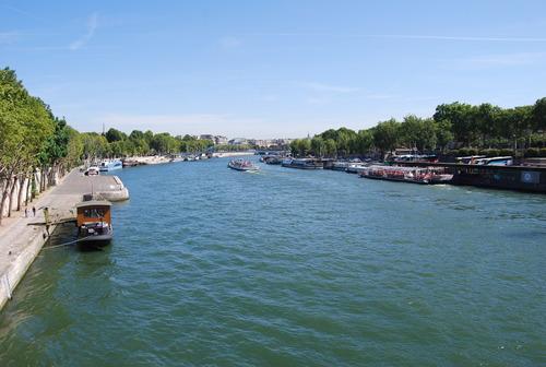 あこがれの 花の都の 夏休み  [PARIS その1]_f0101201_2231552.jpg