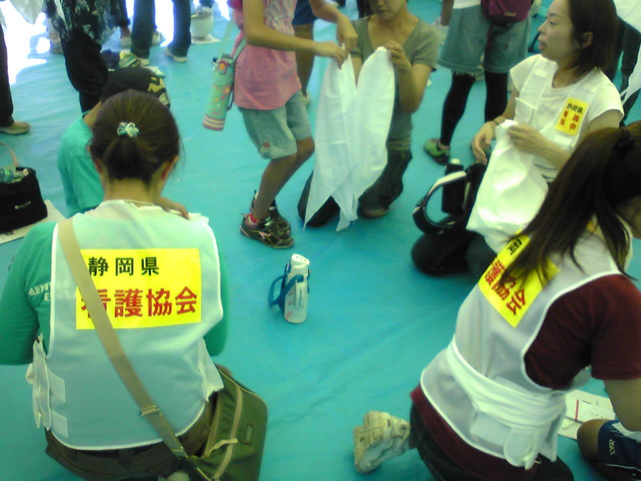 青葉台小で富士市会場型総合防災訓練_f0141310_758688.jpg
