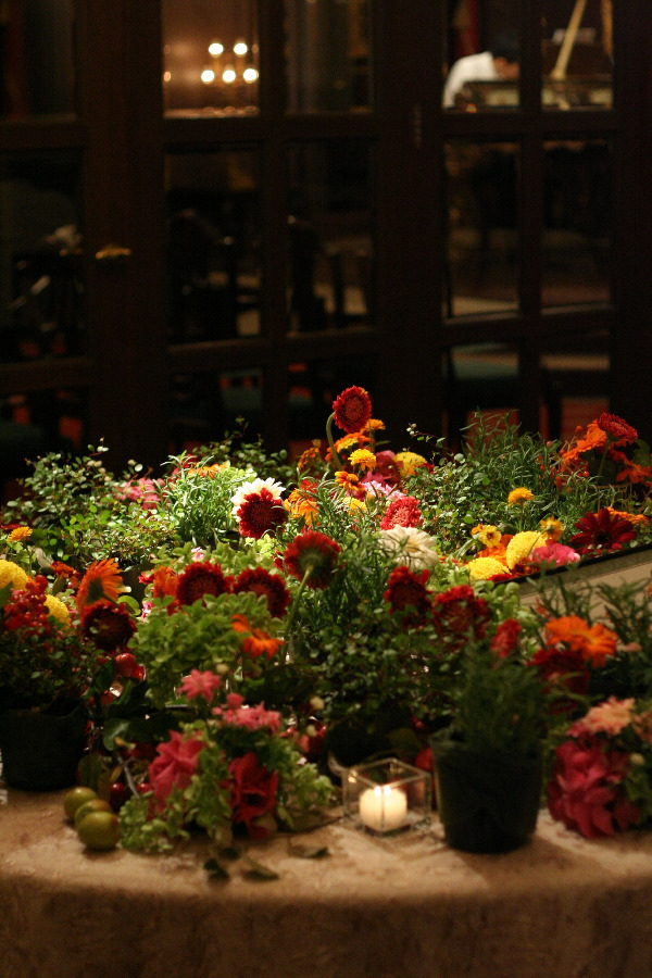 メモリアルテーブルという演出 シェ松尾青山サロン様へ_a0042928_032481.jpg