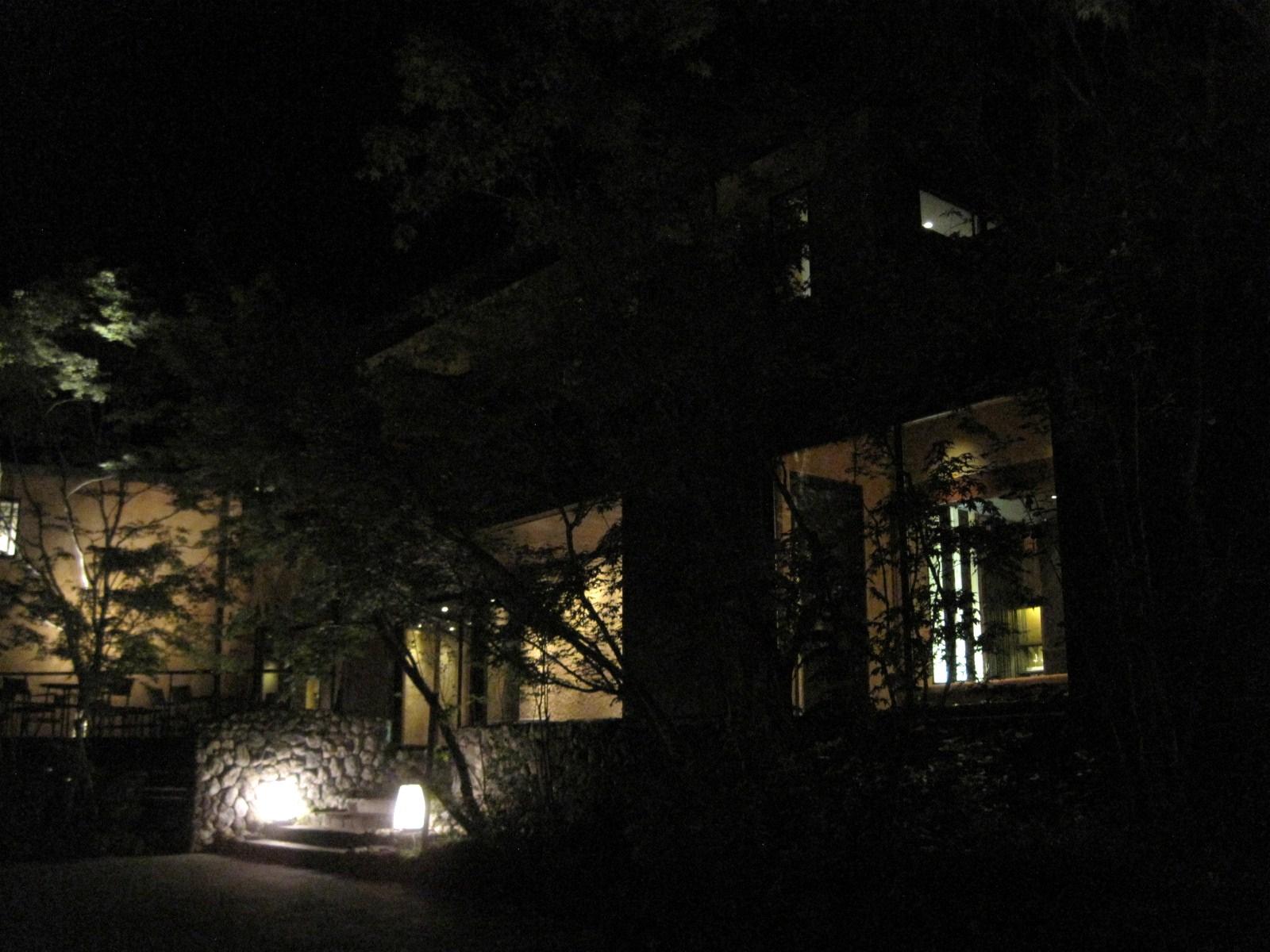 ANCIENT HOTEL ~ 竜返しの滝で涼む♪_f0236260_1462071.jpg