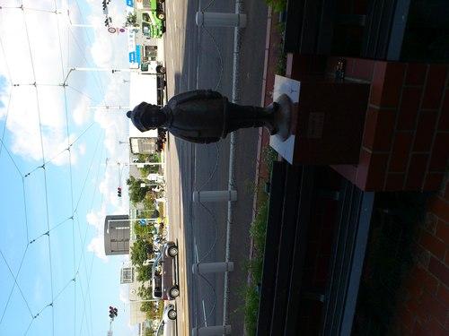 函館駅前_b0106766_2115219.jpg