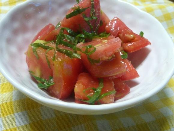 「トマトと大葉の夏サラダ」_a0214374_11131063.jpg