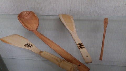 丁寧に手作りされた竹細工、見てください。_d0182179_19122619.jpg