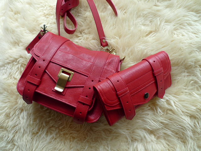 PROENZA SCHOULER LUX LEATHER PS1 POUCH RIPSTICK_f0111683_1326573.jpg