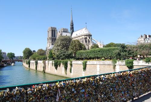 あれこれと 手ほどき受けて 街歩き [PARIS その2]_f0101201_2221067.jpg