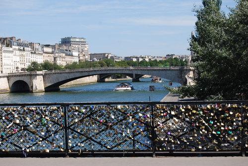 あれこれと 手ほどき受けて 街歩き [PARIS その2]_f0101201_22211922.jpg