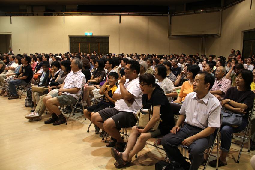 椎名誠氏による講演会が写真の町・東川町で行われました!_b0187229_114483.jpg