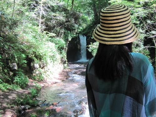 ANCIENT HOTEL ~ 竜返しの滝で涼む♪_f0236260_0123198.jpg