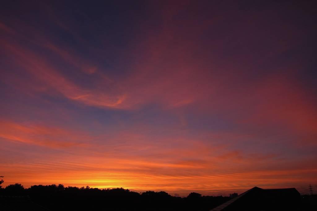 昨夕のカワセミ/国際宇宙ステーション/真っ赤な朝焼け_b0024798_143161.jpg