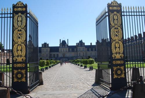 古の 王の威光の 夢のあと [PARIS その3]_f0101201_2223295.jpg