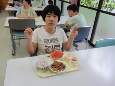 8/28誕生会給食☆_a0154110_1226523.jpg