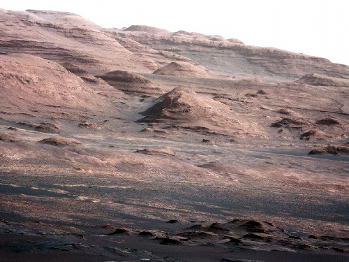 キュリオシティー映像に好奇心一杯!?:火星の空の色は「淡いブルー」!?_e0171614_23581438.jpg