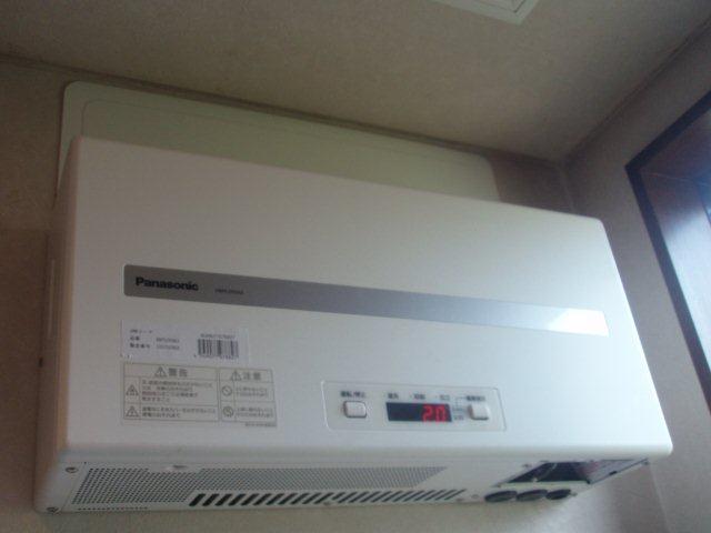 Panasonic太陽光発電4.893kw1日目-2(横浜市)_e0207151_202091.jpg