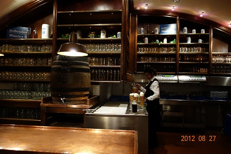 Shop Hofbrauhaus(ホフブロイハウス)_a0152501_13515112.jpg