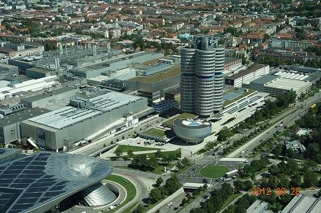 BMW Welt_a0152501_18133121.jpg