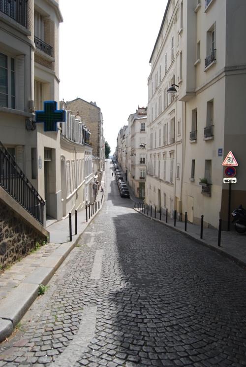 芸術家 あこがれの地は 人の波 [PARISその4]_f0101201_23155376.jpg