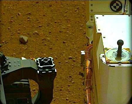 キュリオシティー映像に好奇心一杯!?:火星の空の色は「淡いブルー」!?_e0171614_0194153.jpg