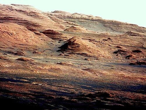 キュリオシティー映像に好奇心一杯!?:火星の空の色は「淡いブルー」!?_e0171614_0223364.jpg